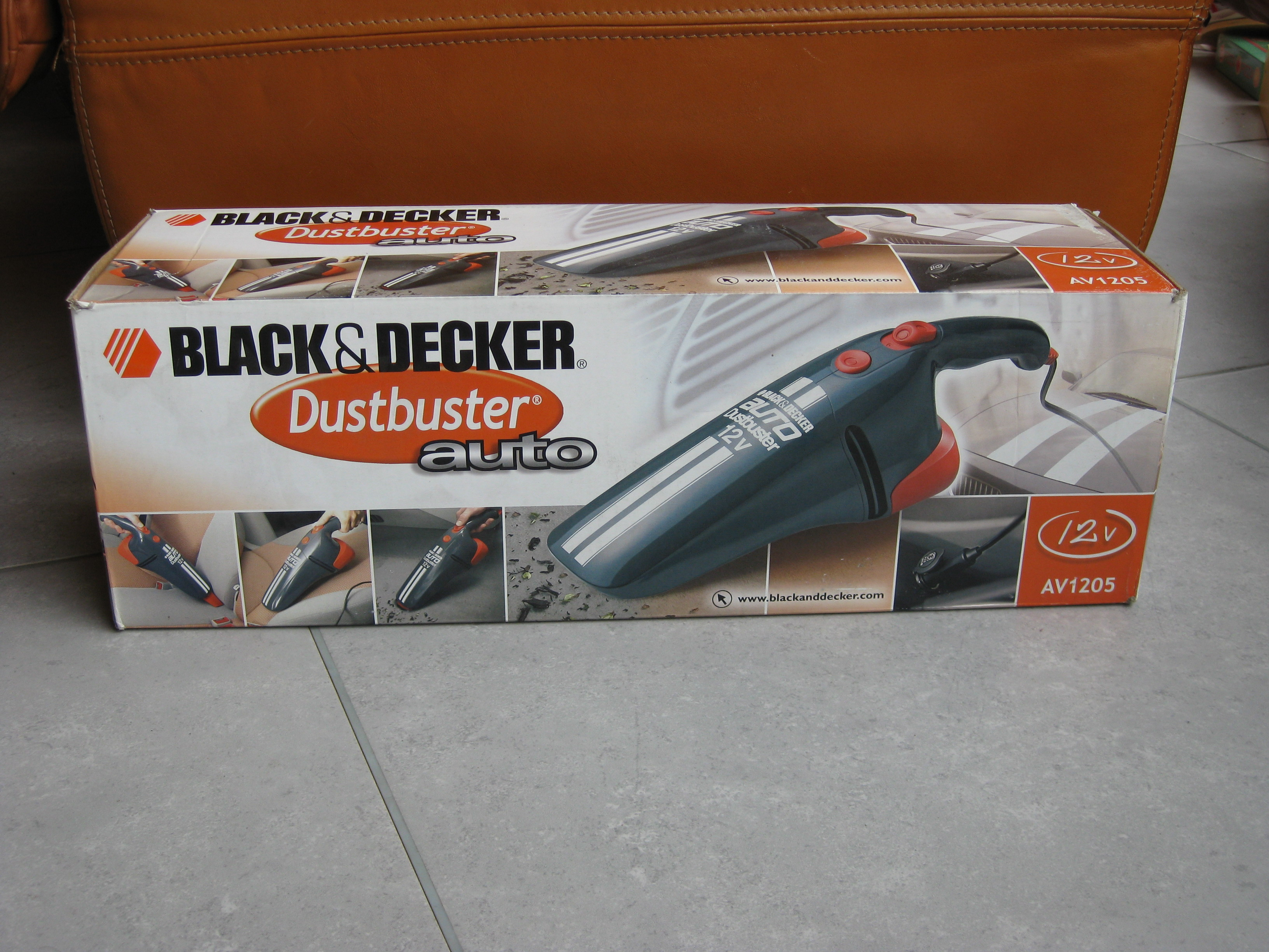 aspirateur a main black et decker dustbuster auto neuf port off. Black Bedroom Furniture Sets. Home Design Ideas
